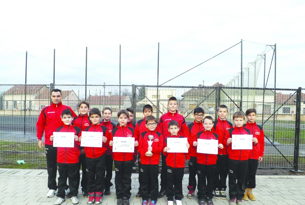 Antrenorul Florinel Luţă s-a declarat mulţumit de elevii săi după experienţa de la Simeria