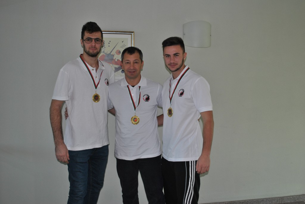 Cei trei medaliaţi cu aur de la Wu Quan Li la Campionatul Balcanic
