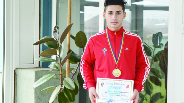 Marius Gabriel Cîțu a renunţat la fotbal pentru box, un sport în care a obţinut deja două medalii (Foto: Lucian Anghel)