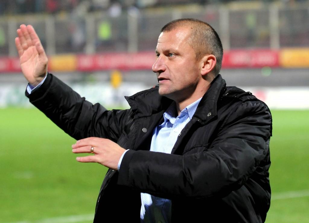 Dorinel Munteanu nu mai este antrenorul azerilor de la FK Qabala
