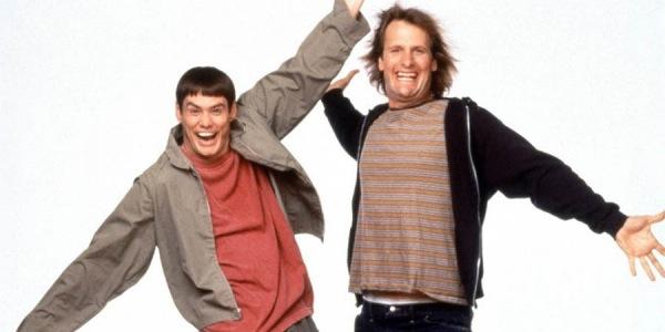 """Jim Carrey şi Jeff Daniels revin pe marile ecrane în filmul """"Dumb and Dumber to"""" (Foto: cinemablend.com)"""