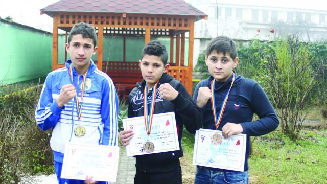 Florin Gabriel Dinu, Chevin Mogoșanu şi Antonio Dumitru s-au întors cu medalii de la Gilău (Foto: Claudiu Tudor)