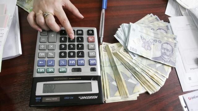 De la anul ar putea să fie plătite impozitele prin internet și de către persoanele fizice. În București se aplică deja acest  program-pilot, dar programul de înregistrare on-line a declarațiilor fiscale ale contribuabililor mai dă și rateuri