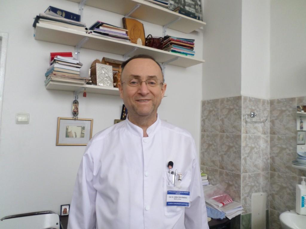 Prof. dr. Horia Pârvănescu, şeful Clinicii de Chirurgie Plastică, spune că saloanele clinicii au nevoie de igienizare şi mobilier nou