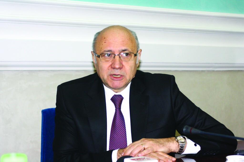 Prof. univ. dr. Irinel Popescu a vorbit în cadrul unui interviu acordat GdS despre situaţia sistemului medical românesc (FOTO: Claudiu Tudor)