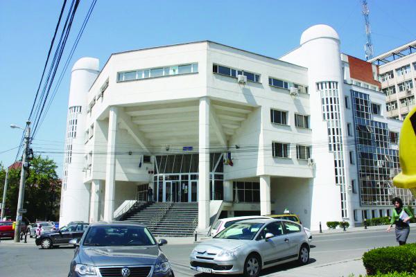 Conducerea inspectoratului susține că la ISJ Dolj se respectă legea (Foto: arhiva GdS)
