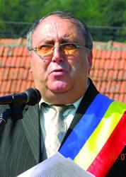 Petre Iordache, primarul oraşului Ocnele Mari (Foto: ziare.com)