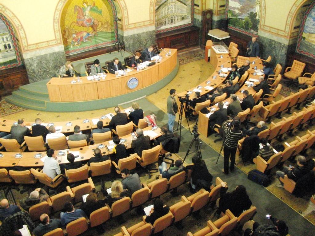 În Consiliul Local Craiova, PSD are 13 reprezentanți, UNPR are cinci, PNL și PDL au câte doi și PP-DD unul, iar patru sunt independenți. - FOTO: Arhiva GdS