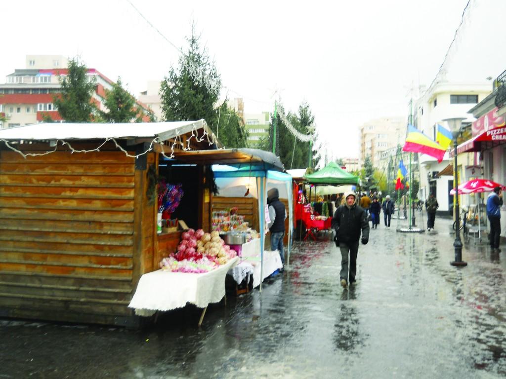 Târgul de Moş Nicolae este organizat de Primăria Târgu Jiu şi Consiliul Judeţean Gorj