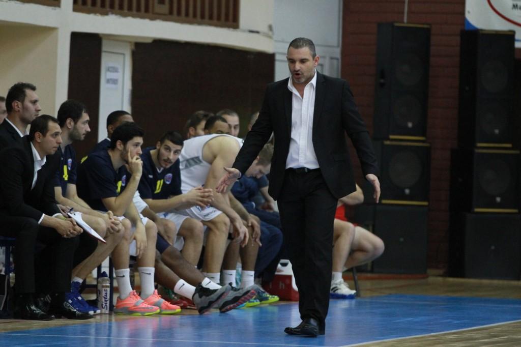 Antrenorul Energiei, Antonis Constatinides, crede că în această fază a EuroChallenge, orice meci va fi dificil (sursa foto: Totalbaschet)