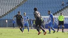Târnăcop (la minge) și colegii săi vor susține un amical în compania formației Jagiellonia Bialystok (foto: Alexandru Vîrtosu)