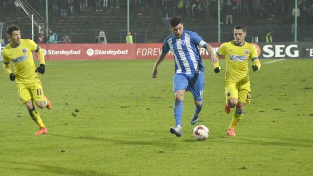 Pablo Brandan (la minge) a fost ţinta speculaţiilor din presa centrală