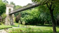 """Reabilitarea Parcului """"Romanescu"""" o include și pe cea a podurilor și podețelor, inclusiv pe cea a podului suspendat"""