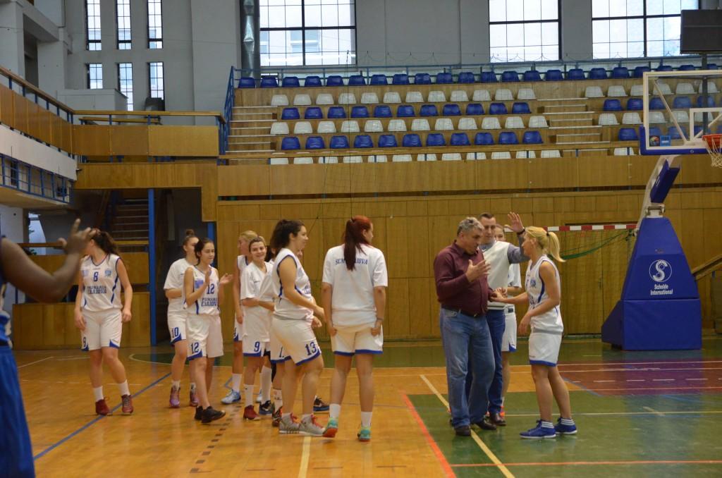 Jucătoarele de la SCM-CSS Craiova au pornit cu dreptul în noul an (foto: Lucian Anghel)