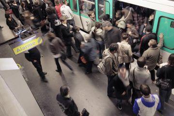 France-Paris-Metro-Terrorism-10-29-2010