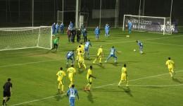 Jucătorii Craiovei (albastru) nu au reuşit să obţină un rezultat bun în faţa ruşilor de la Anji (Foto: csuc.ro)