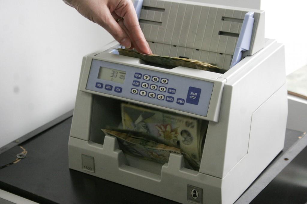 Băncile trebuie să respecte anumite proceduri legale atunci când fac plăți în numele clienților