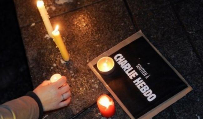 atacul-terorist-de-la-charlie-hebdo-zi-de-doliu-national-in-franta-manifestatii-la-new-york-washington-si-montreal-18499431