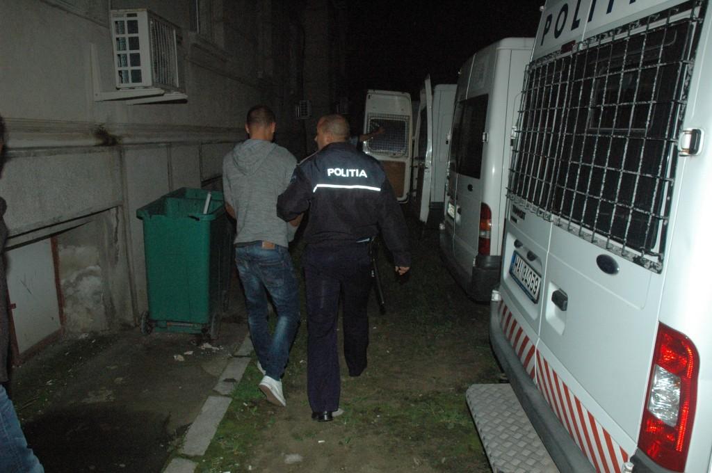 Cei trei suspecți au fost arestați preventiv pe 10 septembrie, iar luni Tribunalul Dolj le-a prelungit mandatele de arestare (Foto: arhiva GdS)