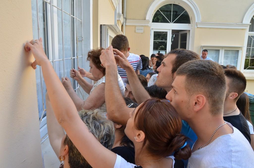 Examenele din ultimii ani au dat bătăi de cap elevilor doljeni (FOTO: Arhiva GdS)