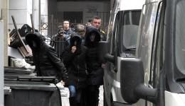 Cei 14 foști și actuali inspectori au fost duși vineri la Judecătoria Craiova cu propunere de arestare preventivă (Foto: GdS)