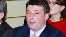 Directorul Apavil a fost arestat preventiv pe 9 ianuarie,  mandatul fiind emis de Tribunalul Dolj