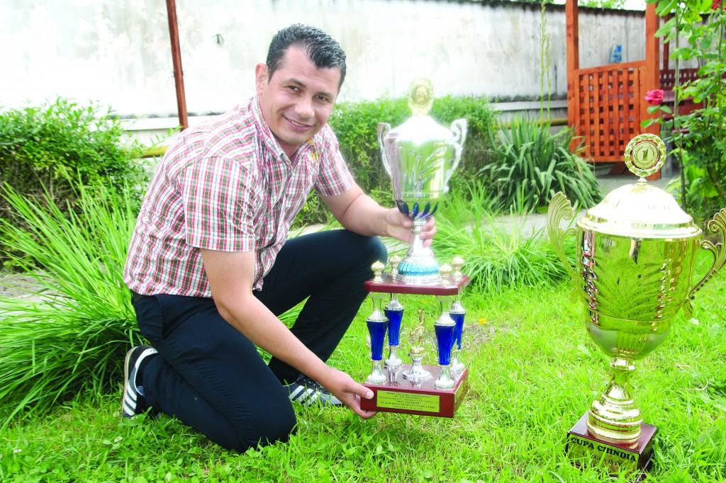 Marius Parască, președintele jucător de la Tăcerea Craiova, și colegii săi au cucerit tot ce se putea pe plan național și acum se gândesc la Liga Campionilor ()