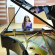 """Melanie, la repetiții pe scena Filarmonicii """"Oltenia"""" (Foto: Claudiu Tudor)"""