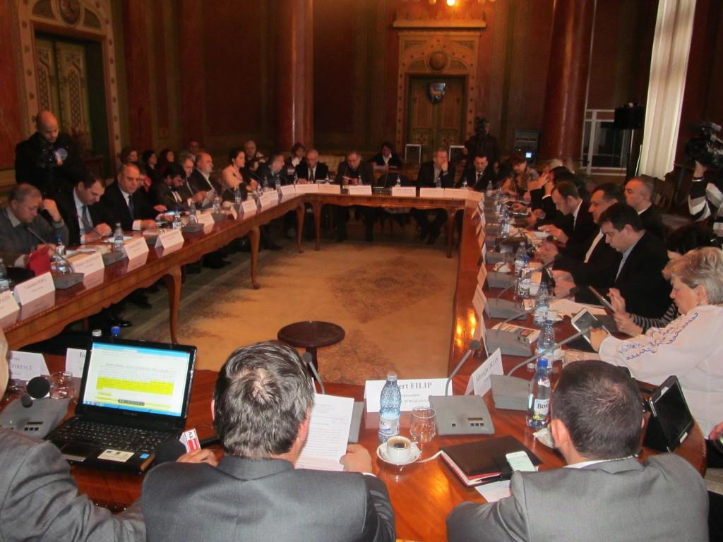 Consilierii judeţeni s-au certat din nou pe banii pentru sport (Foto: Eugen Măruţă)