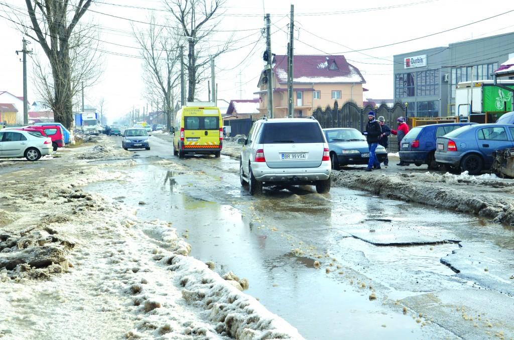Tronsonul scos la licitație pentru modernizare este printre cele mai deteriorate de pe toată lungimea străzii Brestei