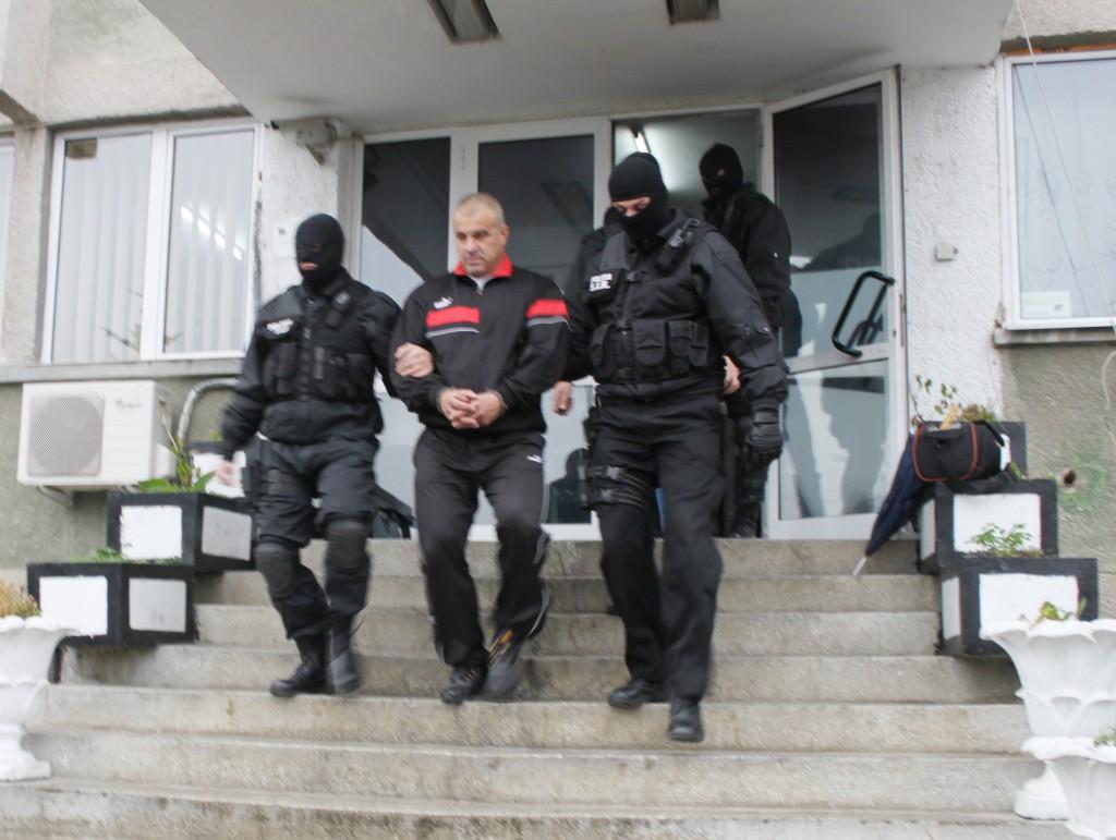 Gabriel Sulugiu a şi fost reţinut la un moment dat (FOTO: Eugen Măruţă)