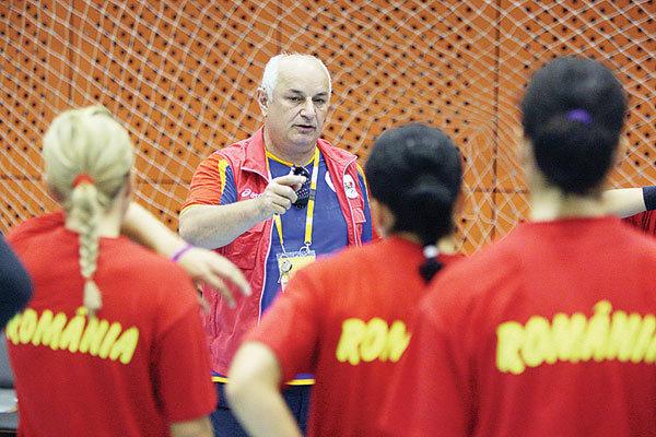 Gheorghe Tadici a renunţat la funcţia de selecţioner al echipei feminine de handbal a României (foto: prosport.ro)