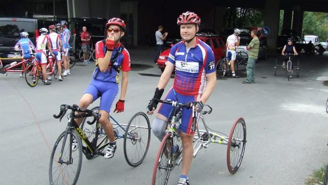 Theo Matican (stânga) a reprezentat România la competiții internaționale