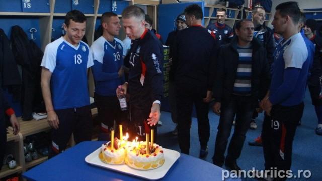 Bogdan Unguruşan a fost sărbătorit în vestiar