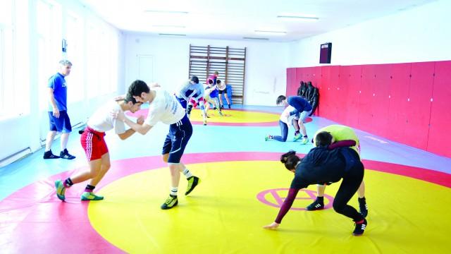 Componenții lotului național de lupte se vor pregăti în Bănie pentru competițiile importante din acest an (Foto: Lucian Anghel)
