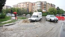Firmele plătesc apa de ploaie la asociație (Foto: Arhiva GdS)