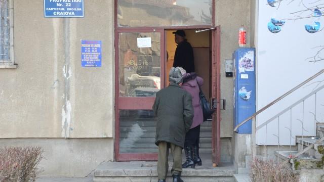 Administratoarea Asociației de Proprietari nr. 22 a fost înjunghiată vineri de o persoană care ar fi vrut să o jefuiască (Foto: GdS)