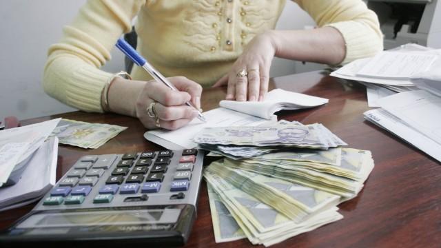 Cine a făcut averi fără să aibă veniturile necesare în acte riscă să plătească impozit  pe sumele nedeclarate (FOTO: arhiva GdS)