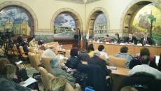 Autoritățile, împreună cu mai mulți craioveni, au dezbătut ieri proiectul de buget  pentru anul 2015 (Foto: Anca Ungurenuș)