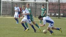 Ciauşu (la minge) şi colegii săi nu au reuşit un rezultat bun contra vâlcenilor (Foto: Alexandru Vîrtosu)