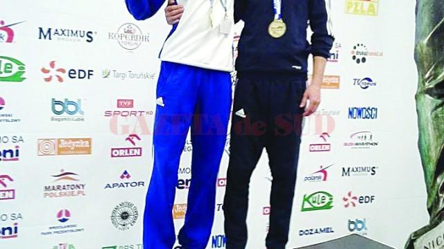 Marius Buşcă (stânga) şi Adrian Neagu (dreapta), doi atleţi care au reprezentat cu cinste Craiova în Polonia, devenind campioni europeni