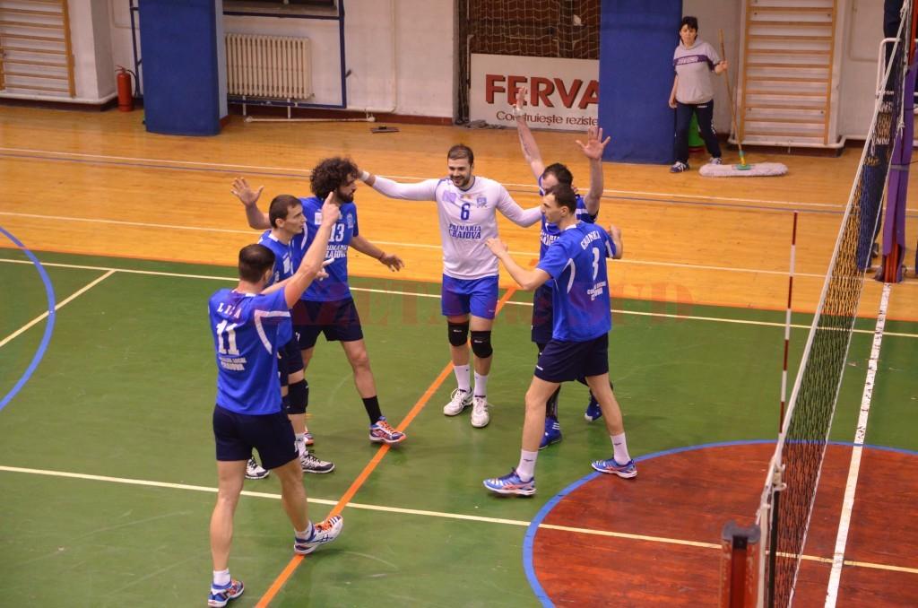 Voleibaliștii craioveni au pierdut primele două meciuri din play-off