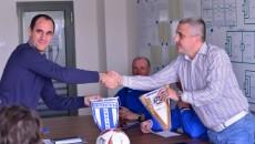 Felix Grigore (dreapta) și ceilalți oficiali ai CSU vor analiza proiectul propus de Udinese (foto: csuc.ro)