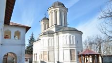 Biserica Mănăstirii Gura Motrului (Foto: Claudiu Tudor)
