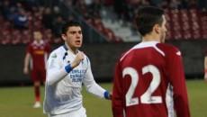 Mihai Roman (în alb) a avut un sezon foarte bun până acum în tricoul pandurilor (foto: panduriics.ro)