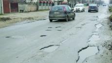 Gropile de pe strada Brestei, capcane pentru șoferi (Foto: Traian Mitrache)