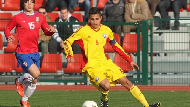 Cristi Manea (la minge) are şansa să se remarce în fotbalul mare (foto: digisport.ro)