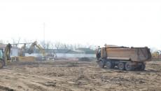Lucrările de excavații la cartierul chinezesc de pe strada Caracal ar trebui să dureze  între patru și cinci luni, dar, în același timp, va începe și construcția blocurilor (Foto: Lucian Anghel)