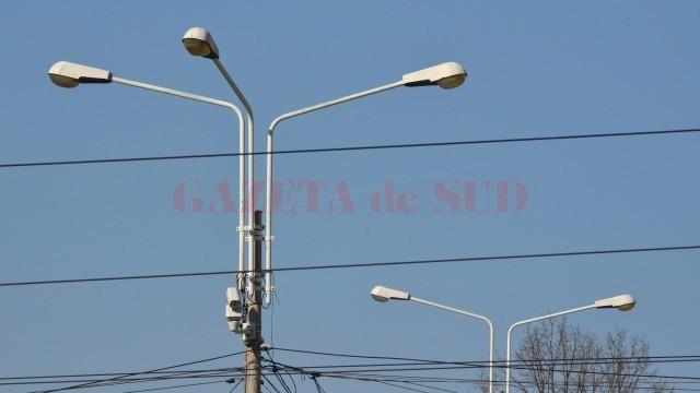 Consilierii locali ai Craiovei votează joi contractul de concesionare a iluminatului public,  valabil pentru o perioadă de zece ani, cu firma Flash Lighting Services din București (Foto: Arhiva GdS)