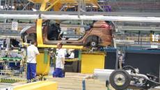 Linia de producție de la Ford a fost modificată recent, iar personalul a fost redimensionat, pentru a permite diminuarea volumului zilnic de producție la Craiova. În loc de 365 de  vehicule pe zi, se fabrică 250 sau chiar și mai puține uneori, potrivit unor surse din fabrică. (FOTO: arhiva GdS)